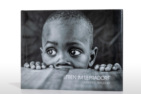 "Bildband ""Leben im Lepradorf"""